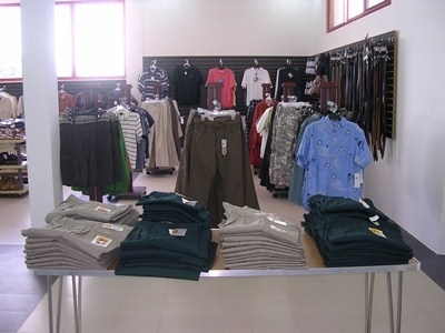 dscn1637-clothes-section-of-mall-400-x-300